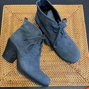 Easy Spirit Gray Suede Ankle Boots